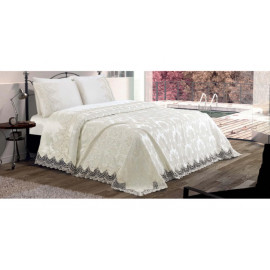 Bed linen with  Armes Home bedspread